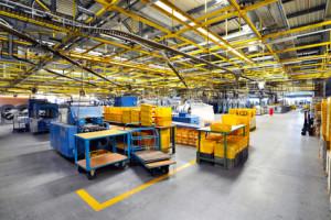 Reinigung von Produktions- und Lagerflächen
